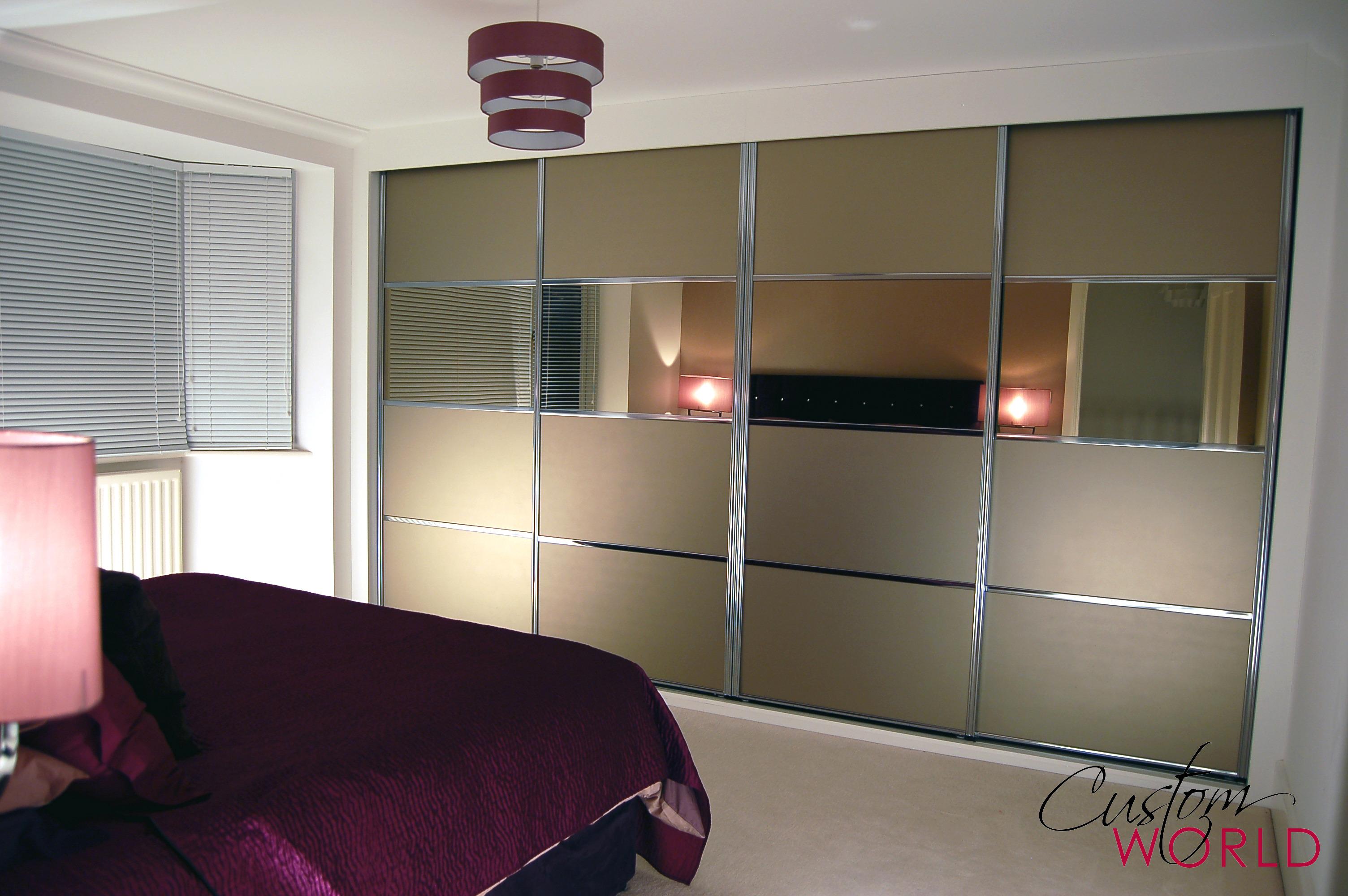 4 door slider with coloured glass