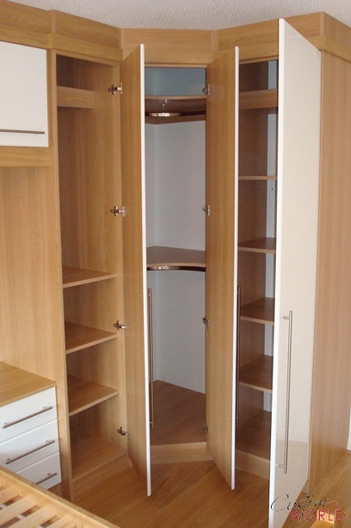 Corner wardrobe to maximise storage