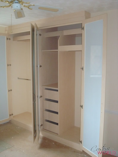 Versatile wardrobe interiors