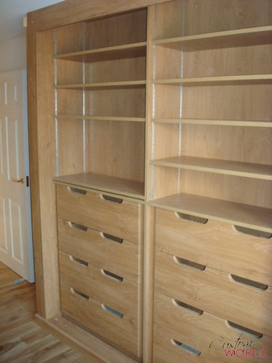 Internal drawers and shelves