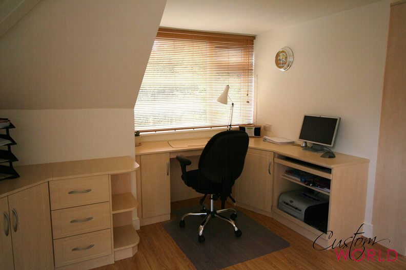 Fitted desk units
