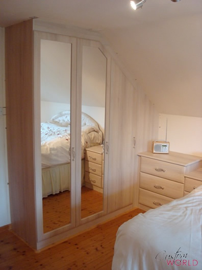 Wardrobe that makes the most of bedroom space