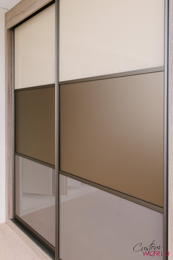 Doors with lay bars - split panels