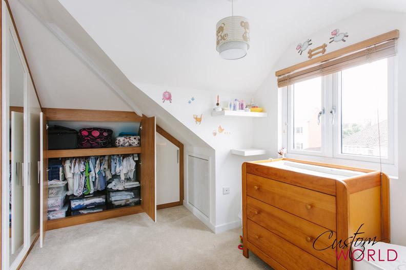 Angled door wardrobe showing interiors