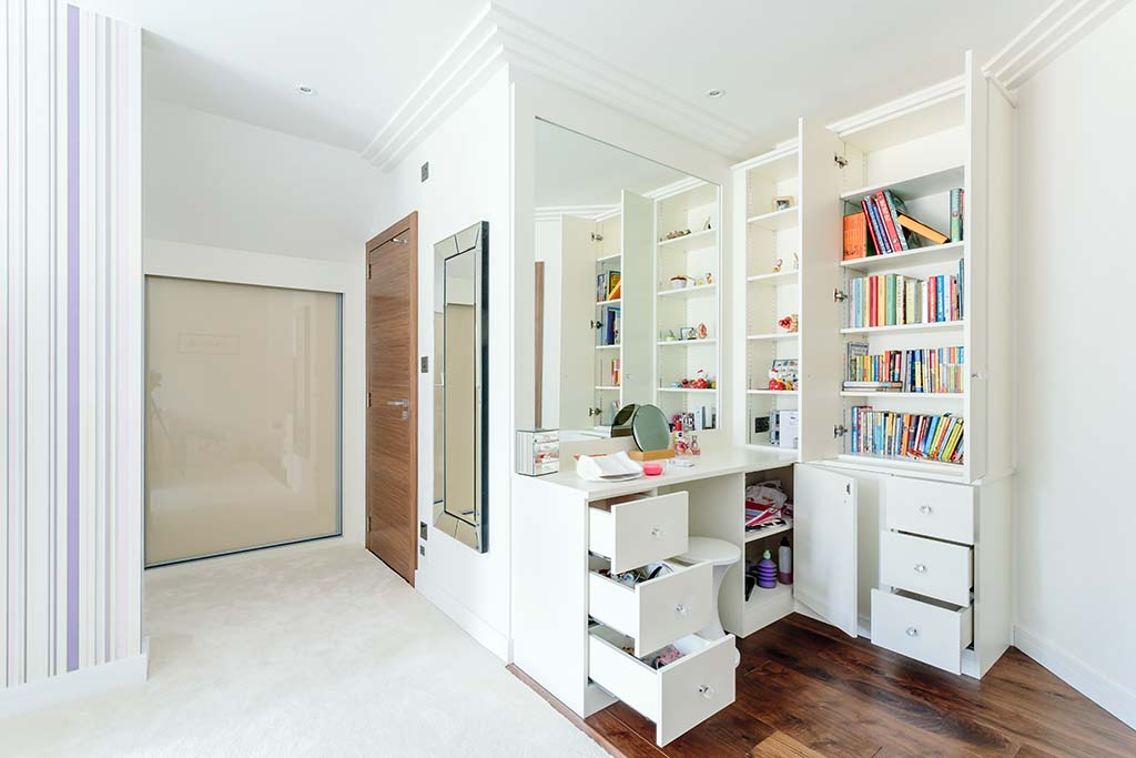 How to build bedroom furniture