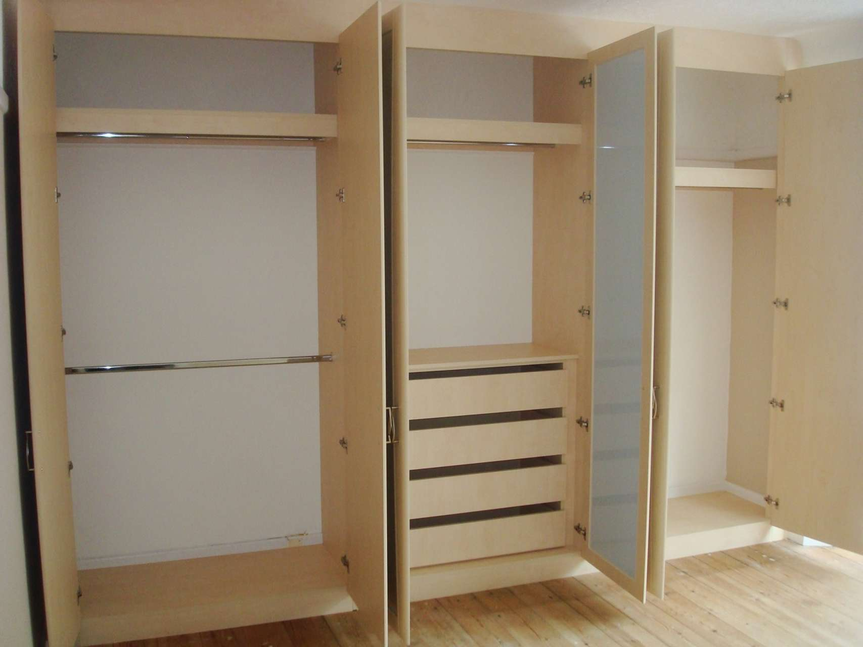 fitted wardrobe interiors custom world bedrooms. Black Bedroom Furniture Sets. Home Design Ideas