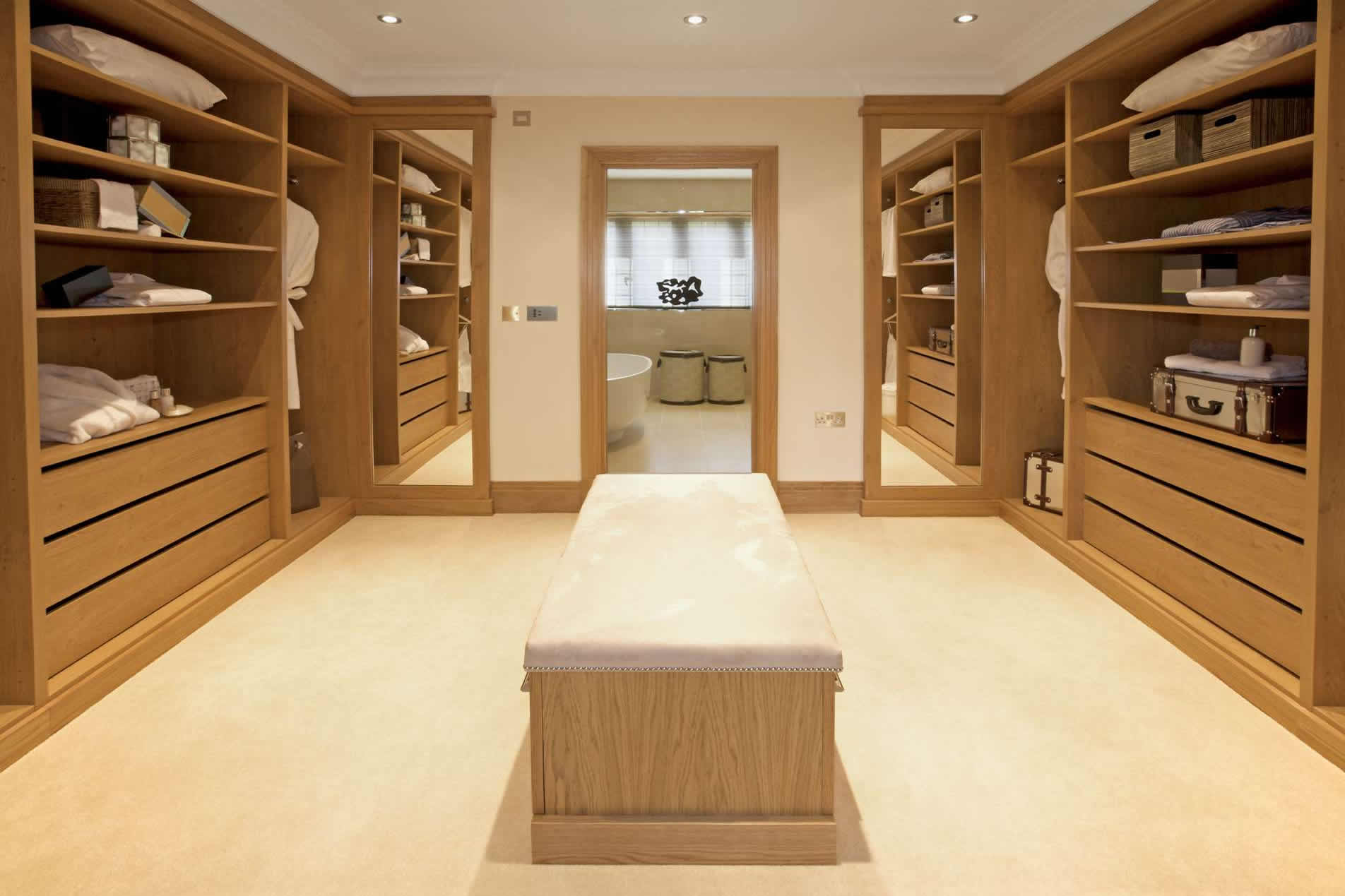 Built in walk in wardrobes bespoke walk in wardrobe designs for Walk in wardrobe design