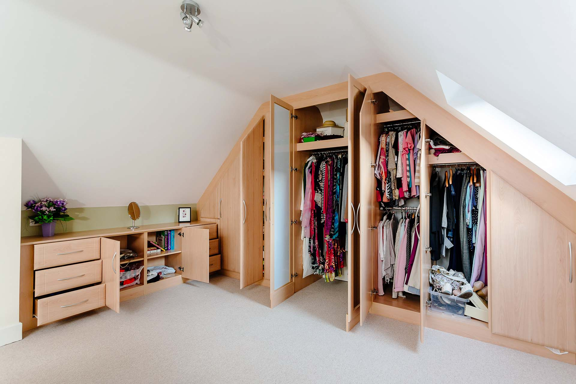 Making the best use of storage space with hinged door wardrobes