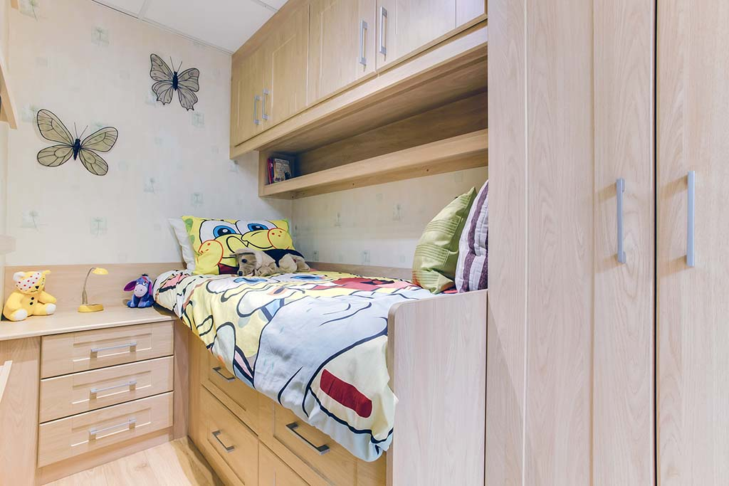 Children cabin bed closed view