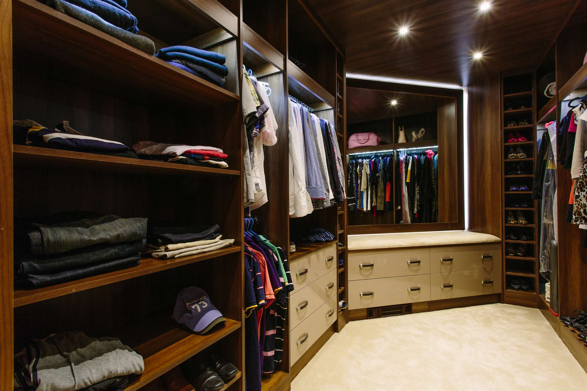 Made to measure walk in wardrobe space