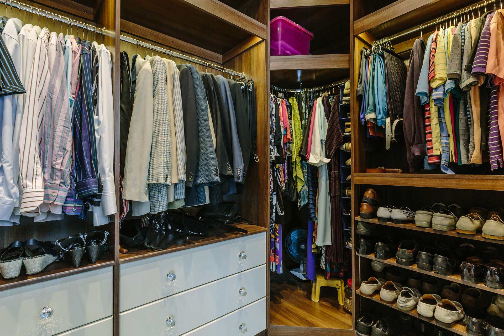 Walk in wardrobes to fit your clothes storage